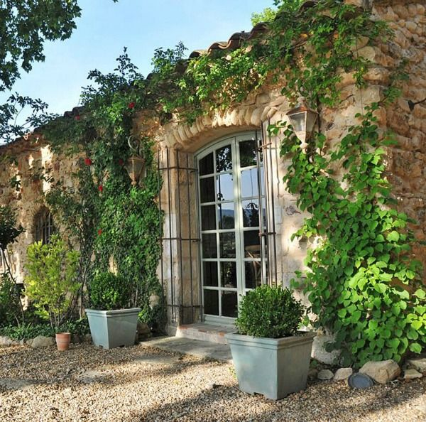 French Old World Design Inspiration: 18th Century Provençal Bastide + Paint Color Ideas - Hello Lovely -   18 holiday Home france ideas