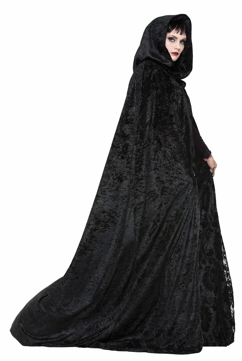 6c15d75028 Wrap yourself in fashionable darkness with these wicked Halloween ...