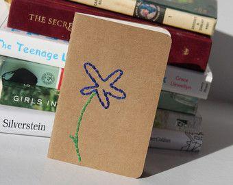 bordado flor azul caderno moleskine