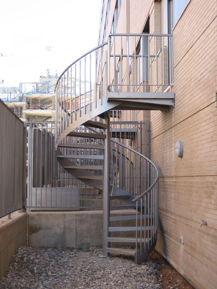 escalier ext rieur m tallique en colima on gdmetal vente escaliers h lico daux colima on et. Black Bedroom Furniture Sets. Home Design Ideas