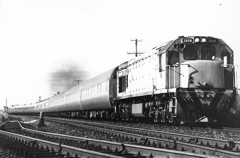 Silver Star of NZR with Dx class no.2608 (New Zealand Government Railways)