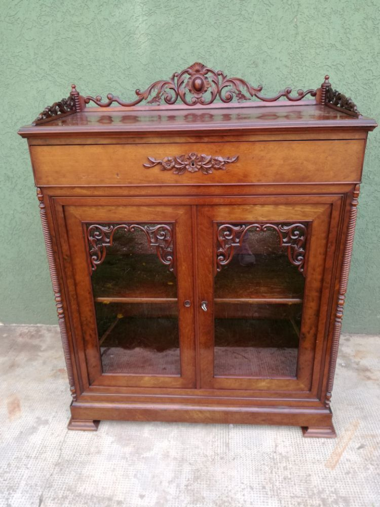Pin di Nowarc.com su AntiqueFurniture | Mobili antichi ...