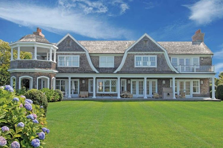 Gambrel rooflines shingle style gambrel hamptons style for Hampton shingle style house plans