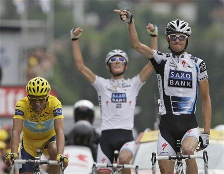 Schleck Brothers Turn Up The Heat On Alberto Contador At Tour De France But Only Lance Armstrong Suffers Tour De France Brother Armstrong