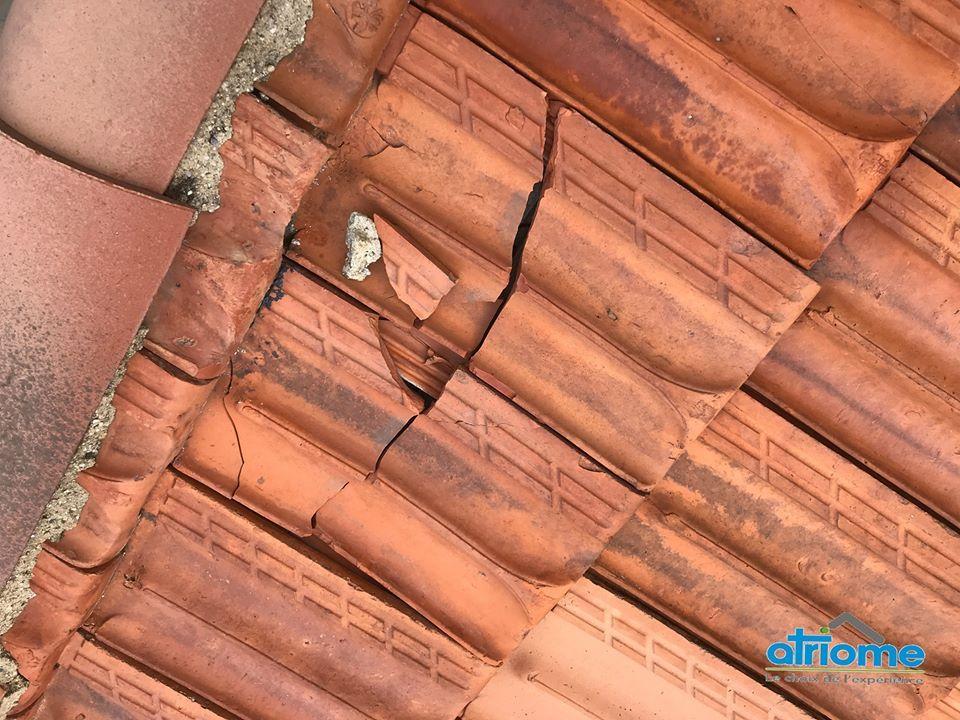 nul n est a l abri d une tuile cassee alors hesitez pas faire controler votre toiture nos techniciens sont disposition en 2020 canal terreal isolation combles 1 euro edf