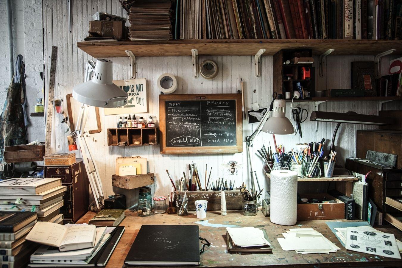 Illustrator Oliver Jeffers' desk Creative Spaces