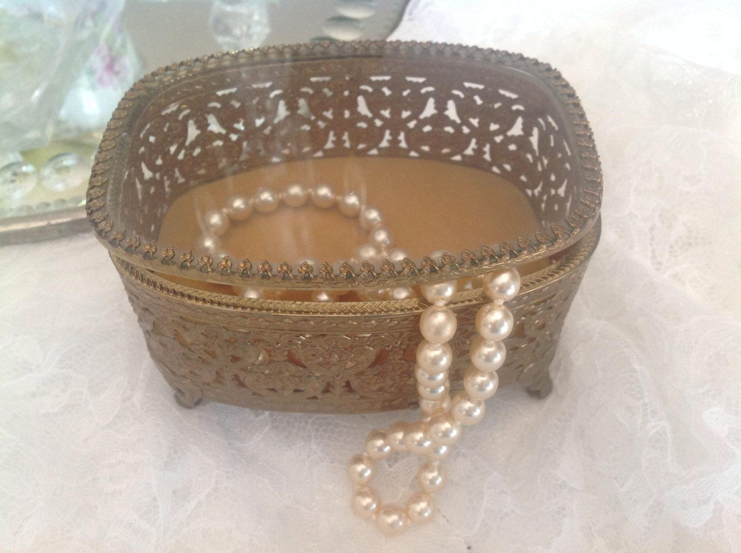 Beautiful Vintage Gold Filigree Jewelry Box Velvet Lined