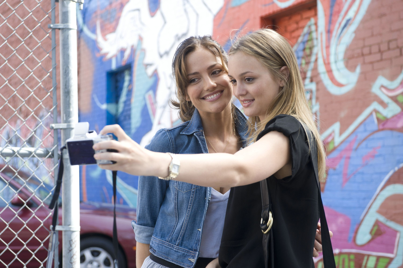 "The beginning of Sara & Rebecca's ""friendship"". (1st Selfie)"