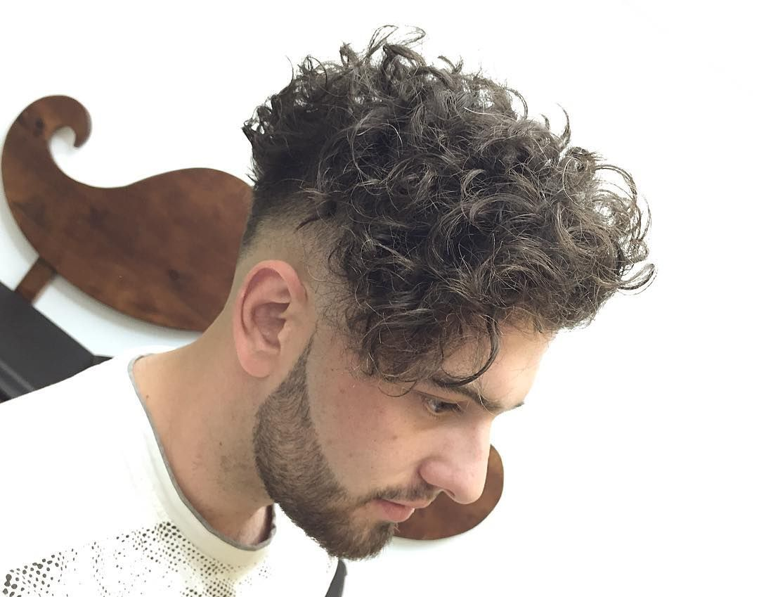 Haircut by alvarovargasx http://ift.tt/1nF4ziF #menshair #menshairstyles #menshaircuts #hairstylesformen #coolhaircuts #coolhairstyles #haircuts #hairstyles #barbers