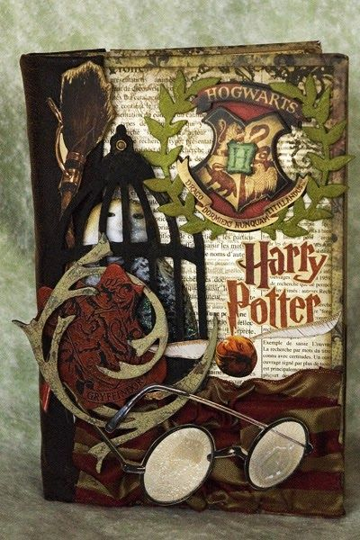 This Past January We Visited The Wizarding World Of Harry Potter At Universal Orlando So When Harry Potter Scrapbook Harry Potter Cards Harry Potter Planner