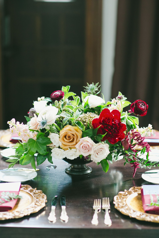 Rose Peony And Ranunculus Centerpiece Floral Ideas Pinterest