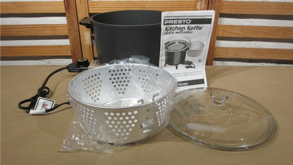 1994 New Presto Kitchen Kettle Electric Multi Cooker Roaster
