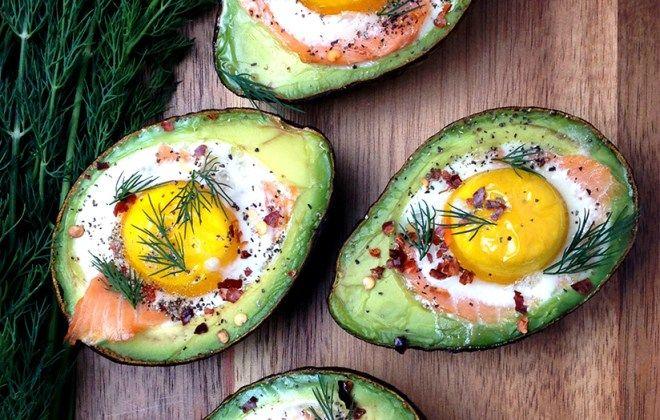 Smoked Salmon Egg Stuffed Avocados | Рецепт | Полезные ...