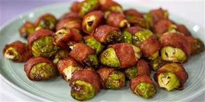 Wraps Brussels spouts in turkey bacon for a healthy and tasty appetizer