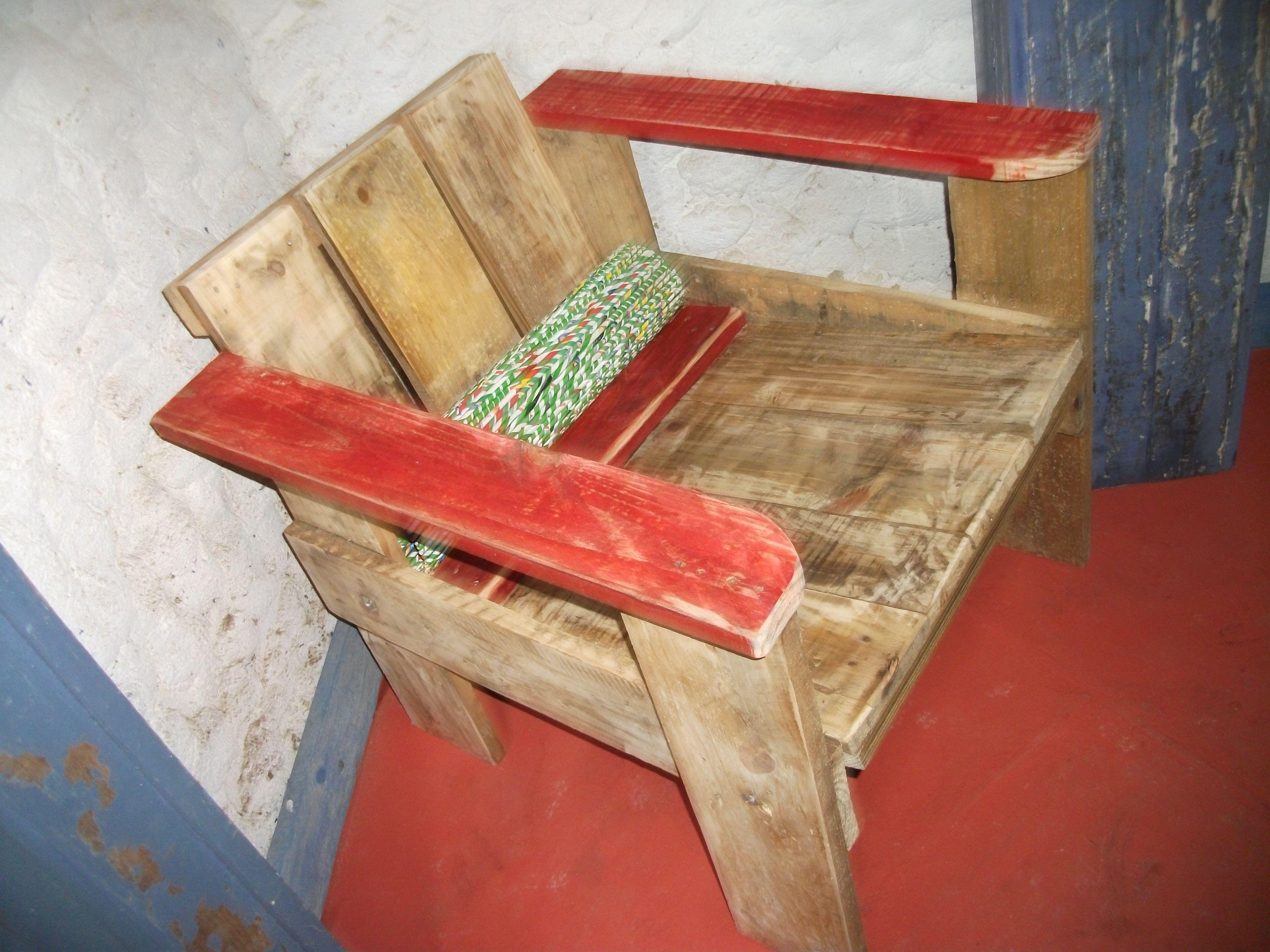 Cadeira Gerrit, réplica, 1934. Madeira de Rua