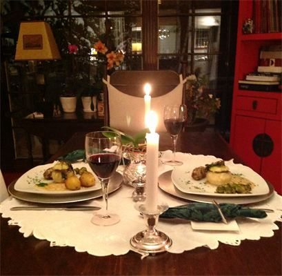 Romantic Dinner For Two A Romantic Table Setting For Two