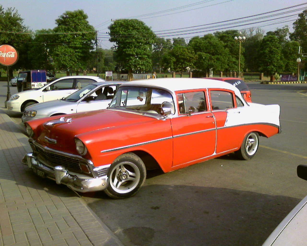 Old car old classic car This old time classic beauty was spotted at ...