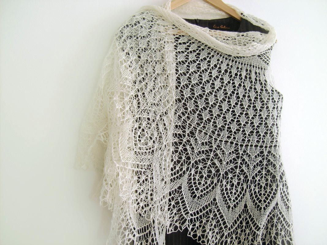 Buy Semi circular wedding lace shawl/veil - Try Handmade ...