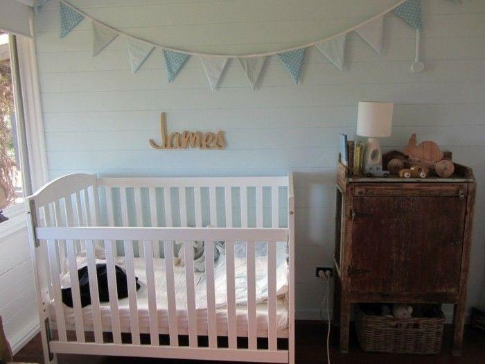 La peinture chambre bébé - 70 idées sympas - peindre un lit en bois