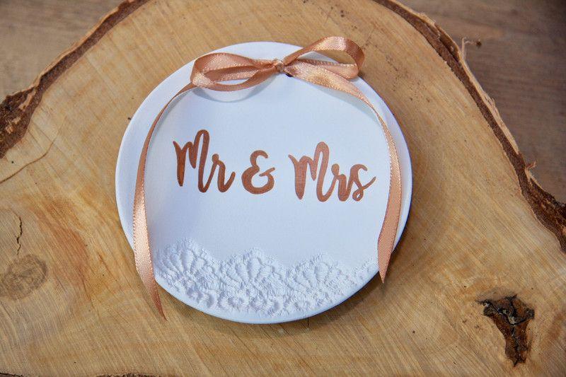 Gastgeschenke - Ringschale Spitze Mr & Mrs, Rosegold (Handa... - ein Designerstück von Vintagelaedchen bei DaWanda