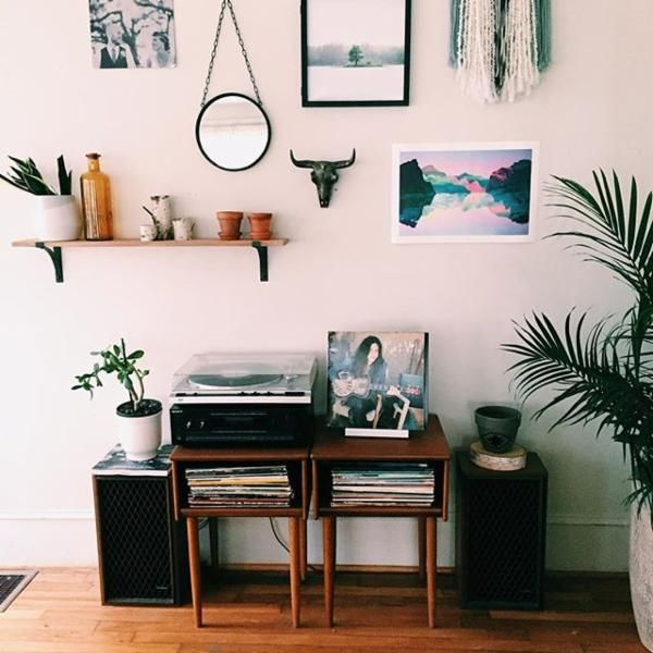 Uoonyou urban outfitters uohome pinterest decora o salas and apartamento for Urban boho style living room
