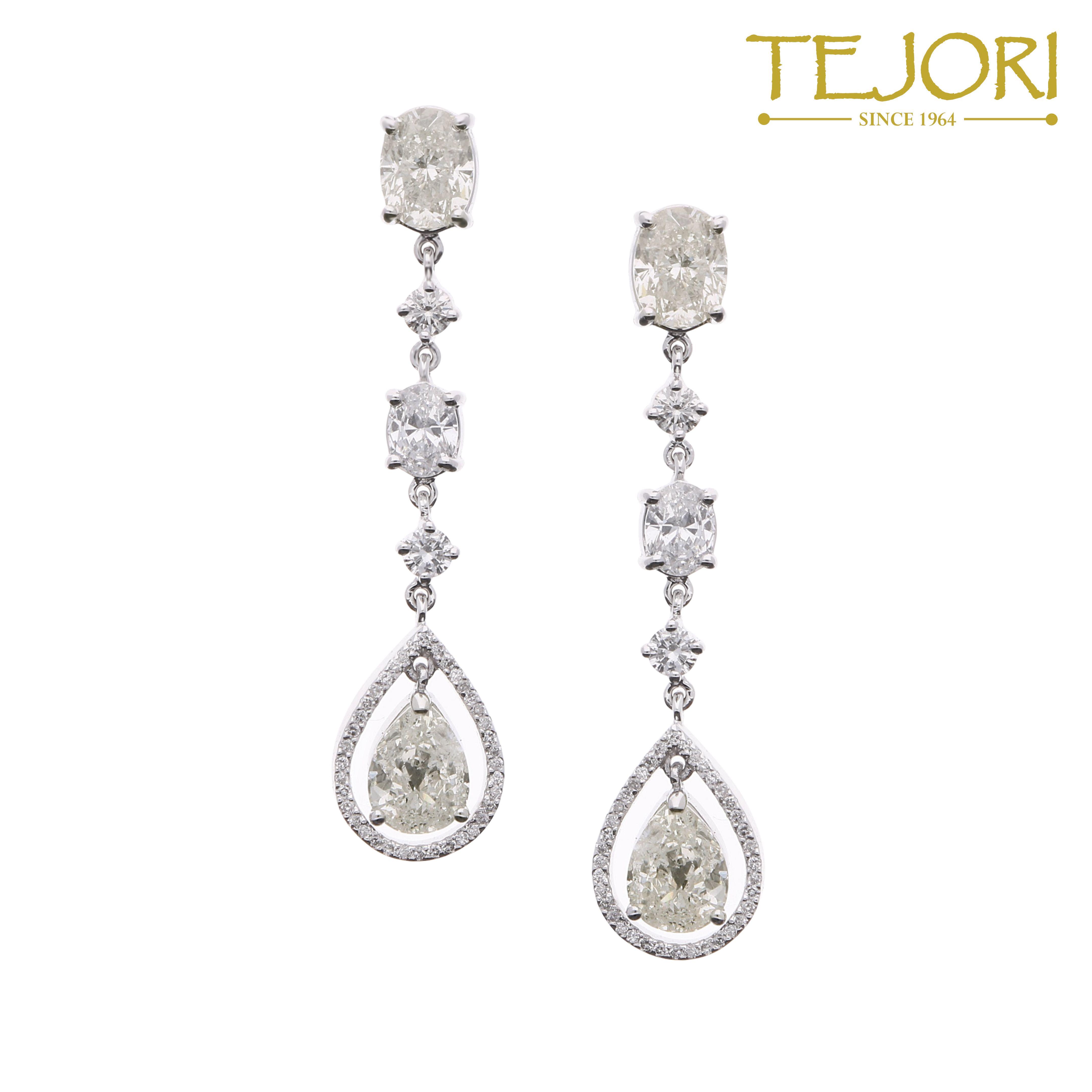 Faint Yellow Diamond Earrings In 18k White Gold For 65
