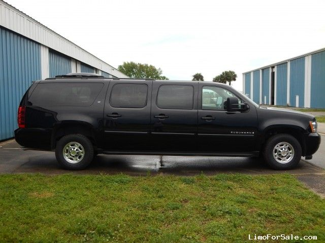 6 door,10 passenger, 6 0L 2500LT | On The Move | Chevrolet