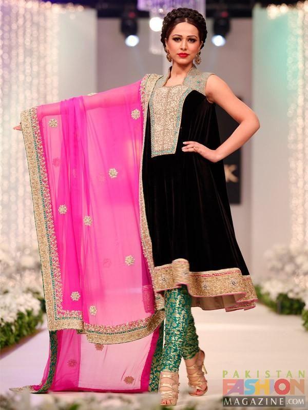 pakistani couture velvet - Google Search | Asian Clothes | Pinterest ...
