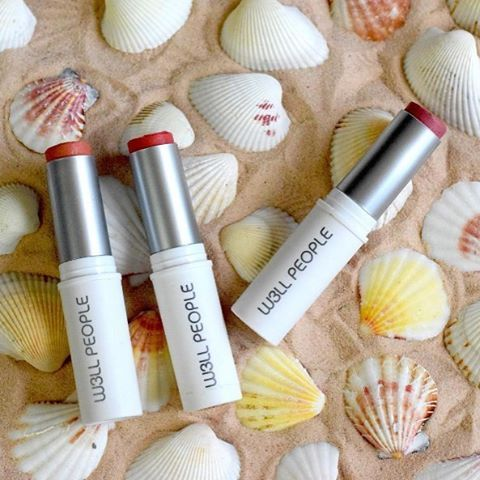 Are you looking for a multitasker lip, cheek and eye tint? We love #w3llpeople Universalist Multi-Sticks! These versatile magic colour stick for eyes, cheeks and lips that will take your entire look from drab to fab in seconds. The creamy formula has a satiny smooth, weightless texture - free from all harsh, artificial chemicals and petroleum. So, there's no heavy, greasy film and no creasing.  #repost  @w3llpeople. Shades available at #BellaNaturally: Creamy Pink, Creamy Peony, Dusty…