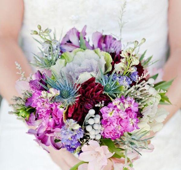 ungewöhnliche Blumen Arrangement für Hochzeit-Sommerblüten