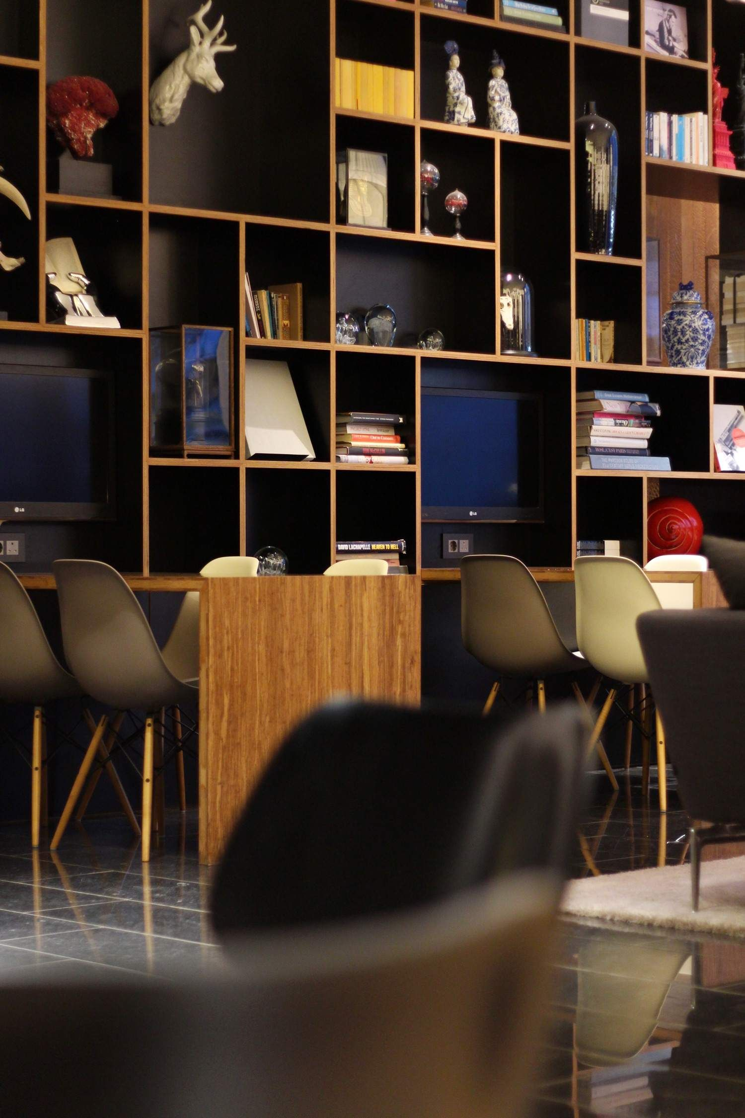 CitizenM London Bankside #citizenM #citizenMlondon Loft Hotel, Hotel  Lounge, Citizen M Hotel