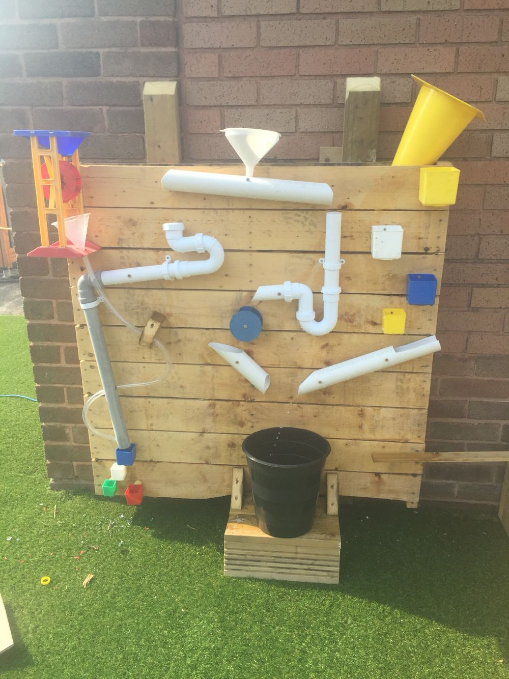 Water Wall Created Pallet #eyfs Outdoor Kids