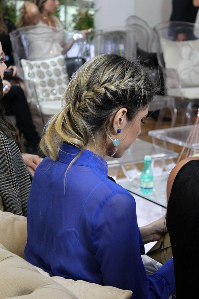Trança embutida em uma das laterais do cabelo no QG F*Hits durante a SPFW N41.