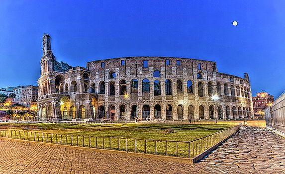Elena Duvernay - Coliseum, Roma, Italy