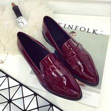 2016 primavera moda Oxfords zapatos de vestir para mujeres British Vintage  de la borla de los planos de los holgazanes de cuero punta estrecha Slip On  ... 01b3fa5fac89