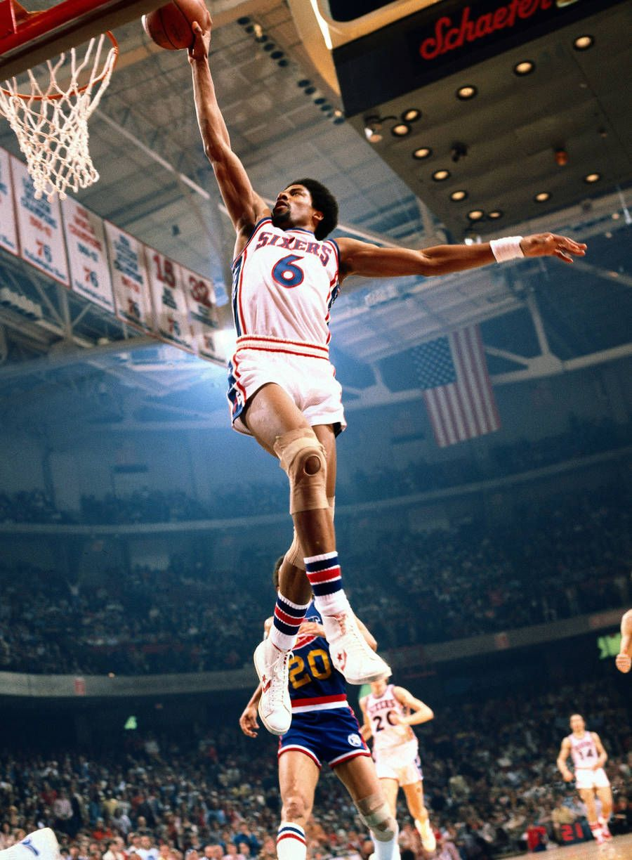 Iconic American Sport Photography By Neil Leifer Julius Erving Erving American Sports