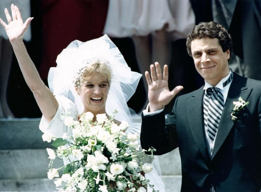 June 9 1990 Kerry Kennedy And Andrew Mark Cuomo Leaving St Matthew S Cathedral Following Their Wedding Mass Andrew Cuomo Kennedy Family Kennedy