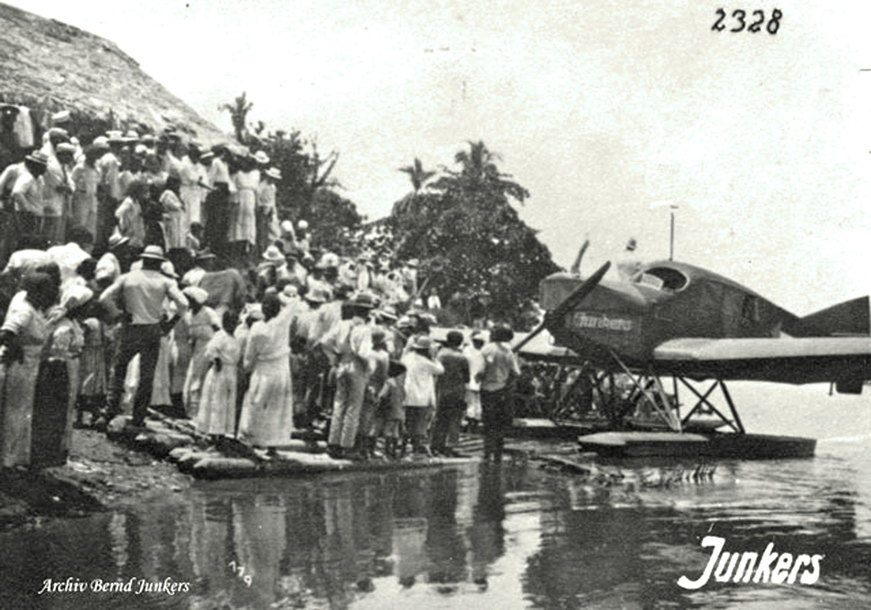 Septiembre 10 De 1920 Llegada A Puerto Berrio Del Correo Aereo