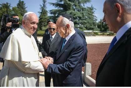 El Vaticano defendió la plegaria conjunta que mantendrá el Papa Francisco con Peres y Abbas