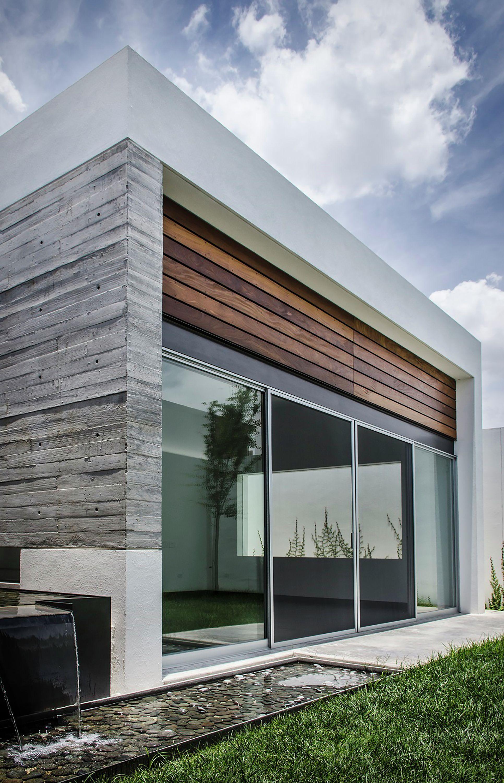 Fachadas con madera y concreto buscar con google casas for Fachadas modernas para oficinas