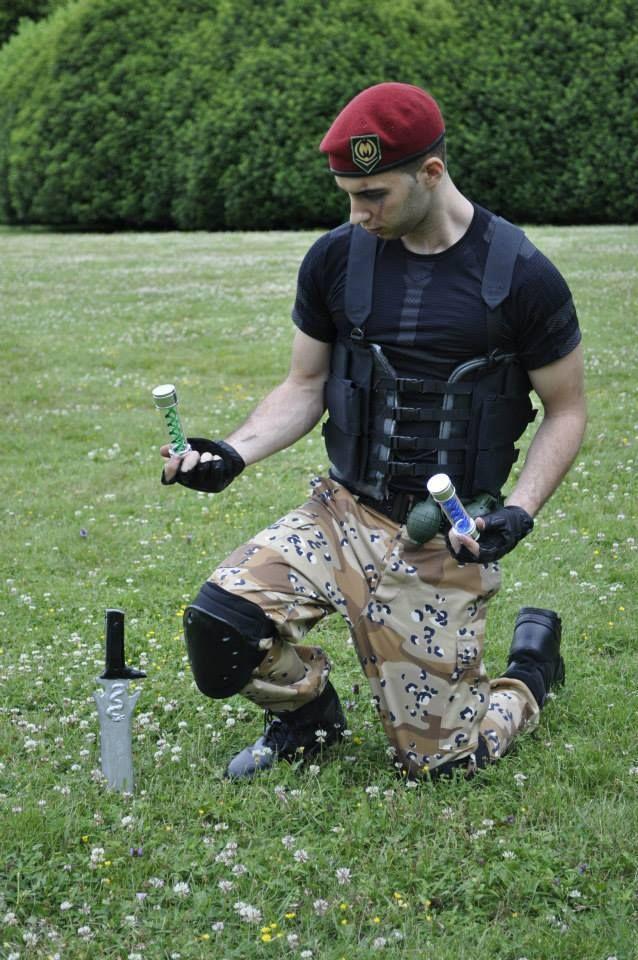 Le cosplayeur Zaiji-0Goh en Jack Krauser du jeu Resident Evil 4  Découvrez sa page => https://www.facebook.com/zaijigoh.corporation?ref_type=bookmark  Son Deviant Art => http://vector67.deviantart.com/