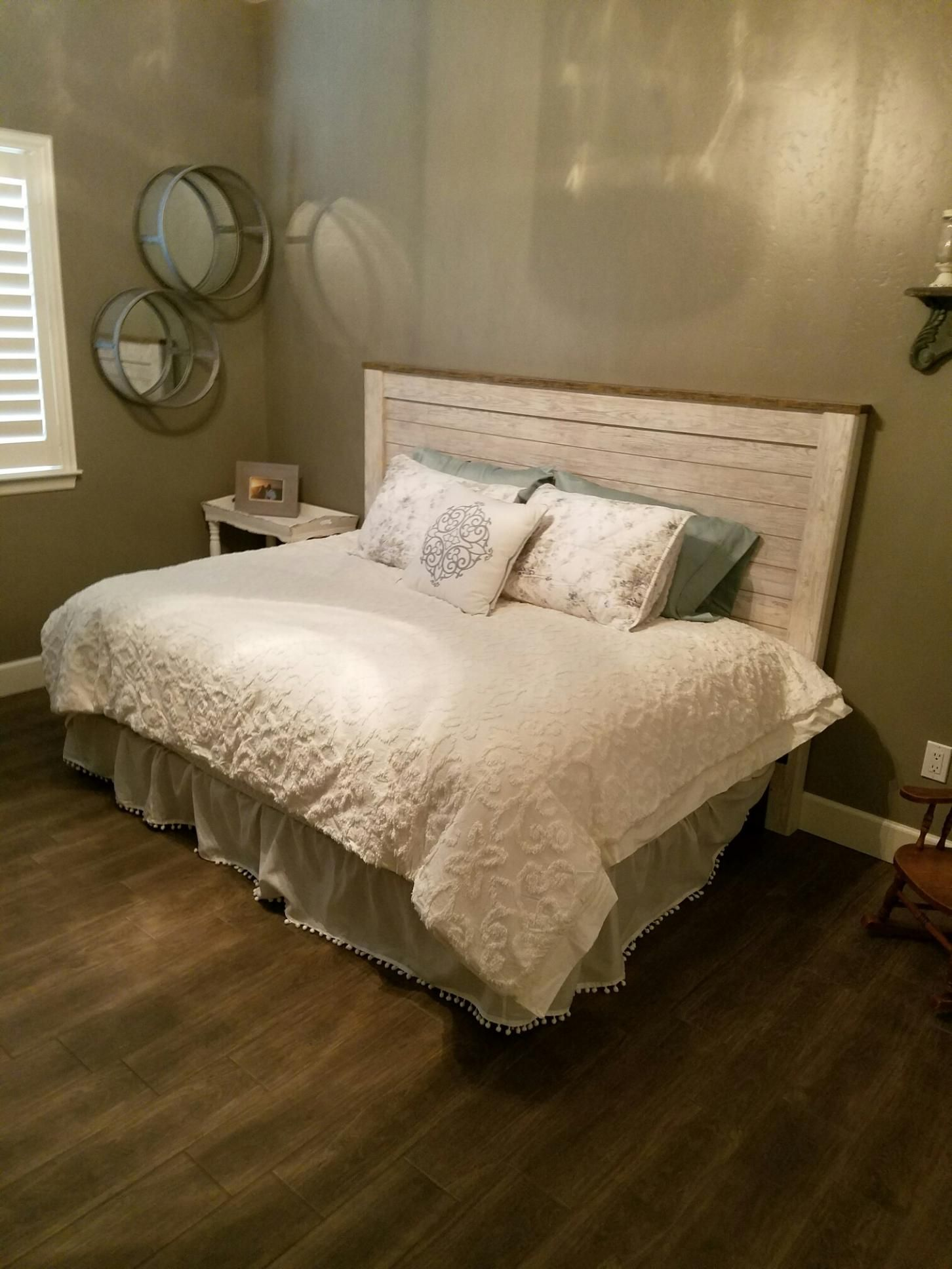 King size headboard with full size mattress! Love my new guest ...