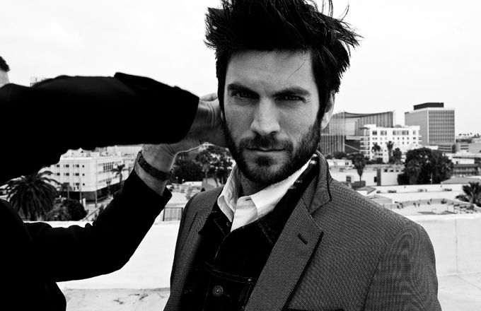 I suppose Wes Bentley knows he's hot, but... I'd like to tell him.