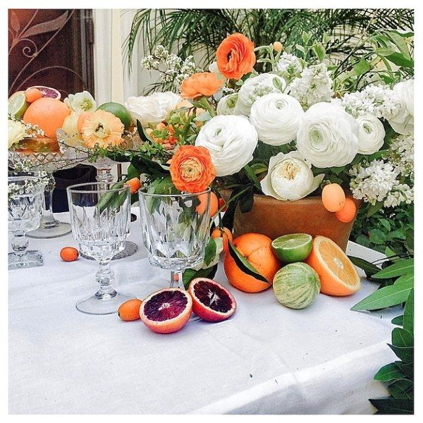 A sunny, southern California affair calls for citrus-appointed tables. Event Design: Twofold LA Florist: Emblem Flowers Venue: Private Residence in Bel Air, California