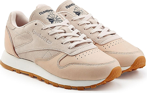Reebok Women s Shoes in Pink Color. Reebok s Classic sneakers will never go  out of style. From a sporty outfit to a Parisian chic look 1c635b4dd