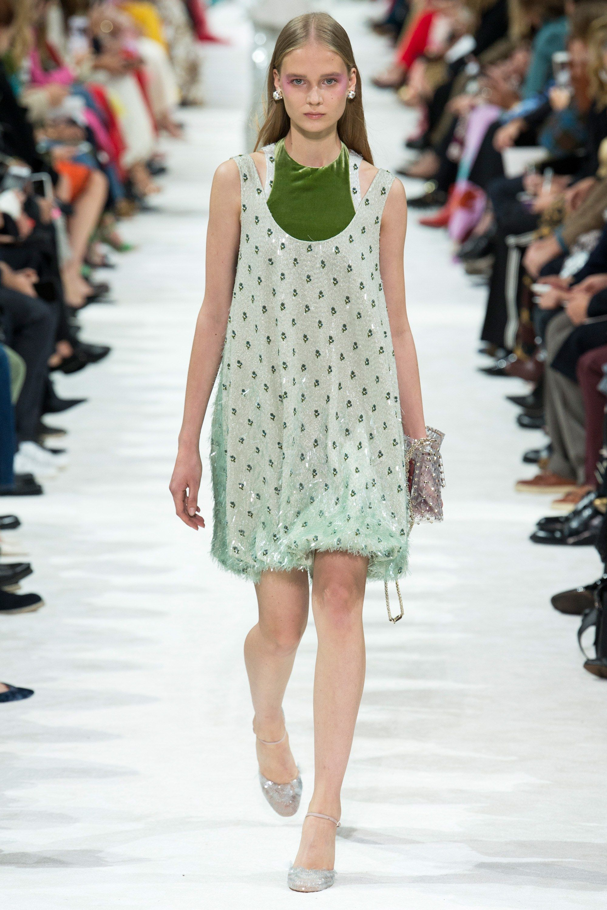 823ccf34da0 See the complete Valentino Spring 2018 Ready-to-Wear collection ...