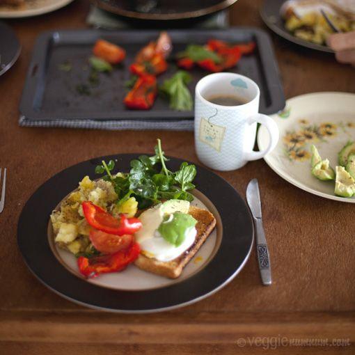 a veggie big breakfast from http://www.veggienumnum.com/2011/05/a-veggie-big-breakfast/