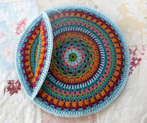 Crochet cover pillow - Learn how to crochet & Crochet cover pillow - Learn how to crochet   Crafts   Pinterest ... pillowsntoast.com