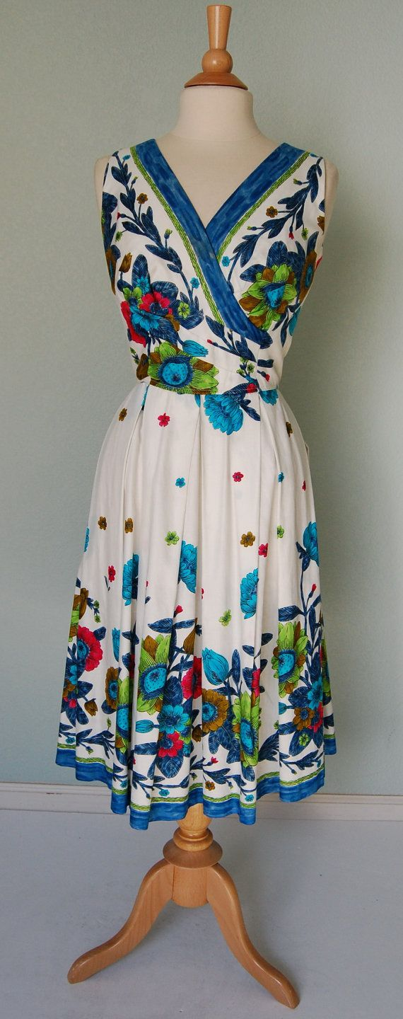 1950s Kamehameha Cotton Print Dress with Tucks and Pleats - Pretty #saridress