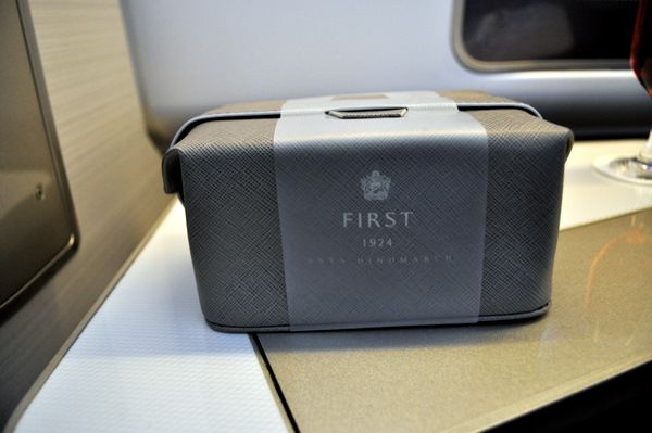 Airlines Frugal British Airways Ba Club World Business Class White Company Wash Bag Amenity Kit Collectables